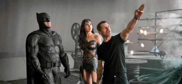 Zack Snyder dirigiendo el Snyder Cut